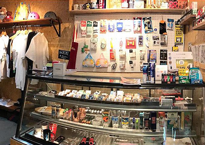 8 times corner store(エイトタイムスコーナーストアー)