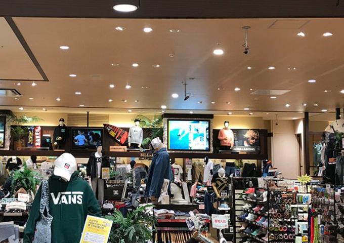 ムラサキスポーツ エミフルMASAKI店