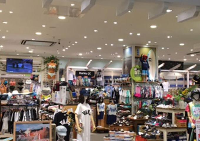 ムラサキスポーツ 沖縄ライカム店